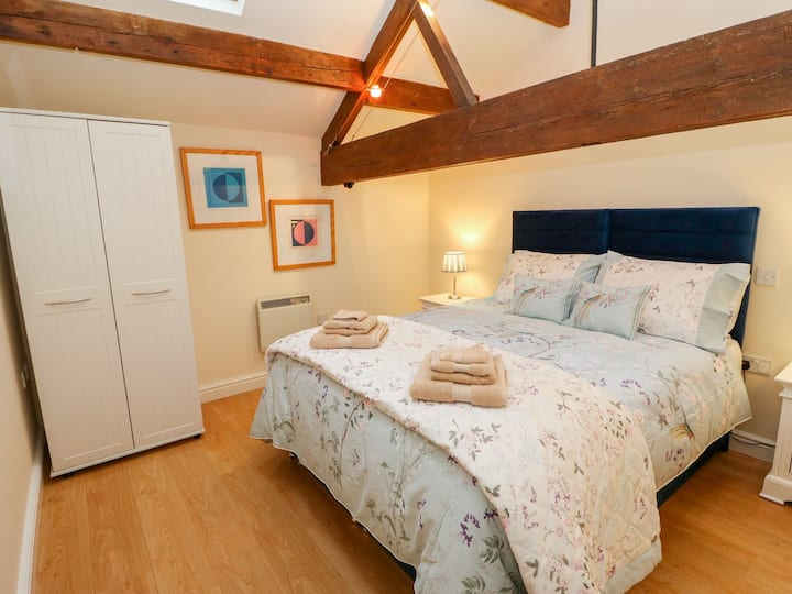 Luxury character apartment in Todmorden centre