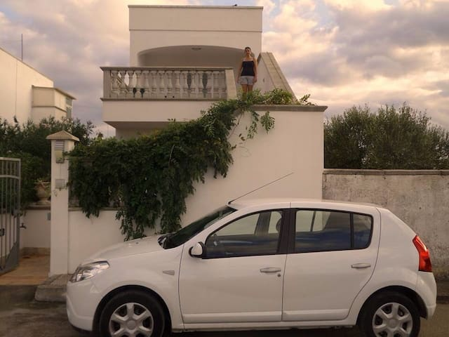Affascinante bilocale con veranda - Torre Lapillo  - Apartment