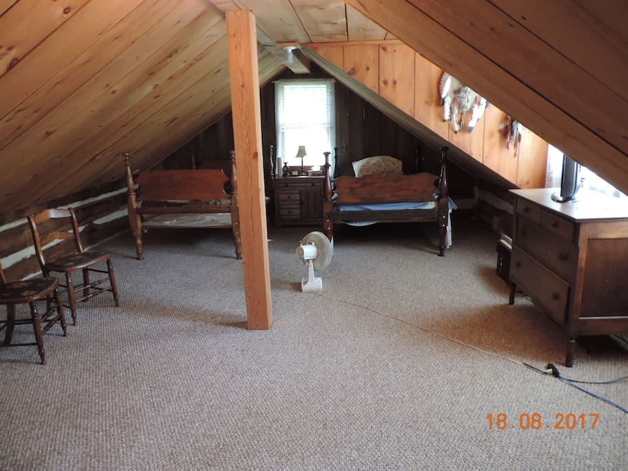 LOFT BEDROOM WITH 2.... 3/4 BEDS...