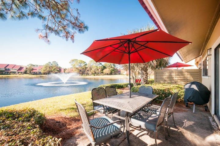 Panoramic lake view with TWO Golf Carts ~Pet Friendly!