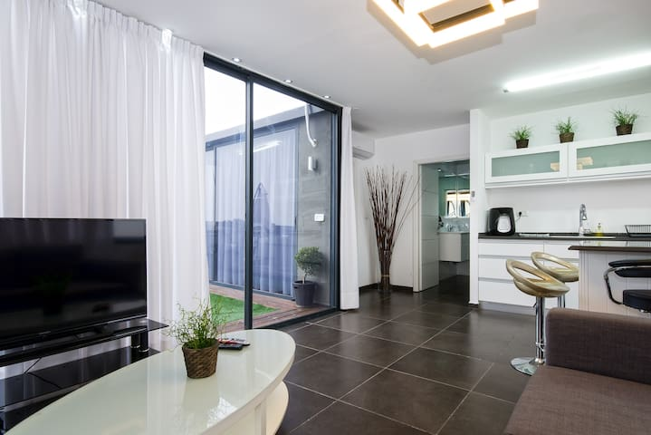 luxury  roof vip  דירת גג יוקרה - atlit  - Apartment