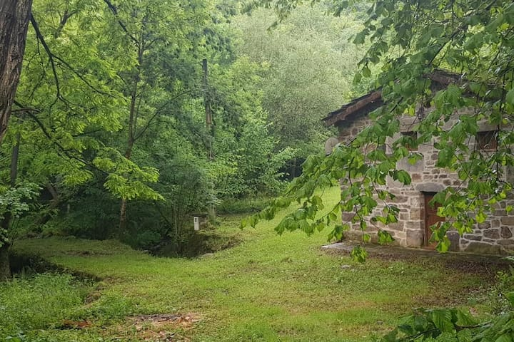 Pasiega Cabin with Roman bridge