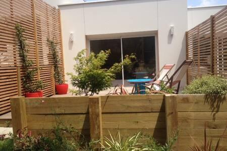 Chambre d'hôtes, maison en bois terrasse privative - Bidart