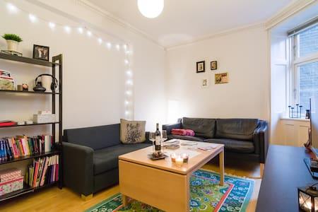 Central & cozy apartment at lakes - Kööpenhamina