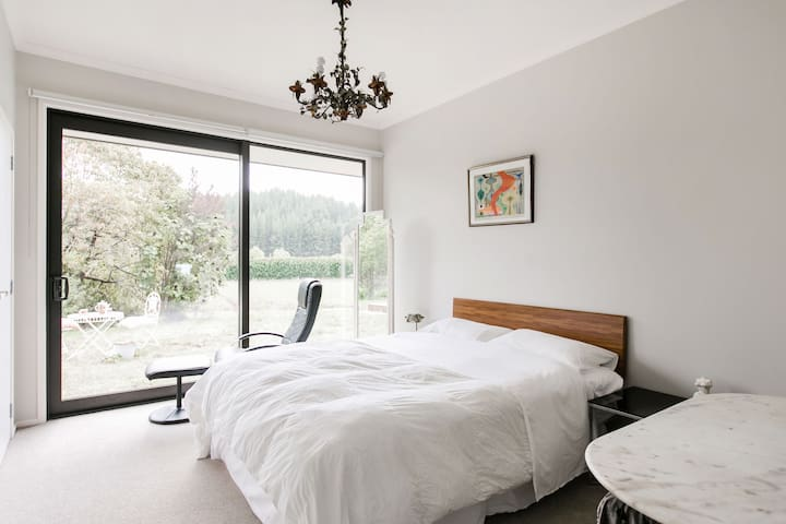 Lakeview blueberry farm privet bedroom