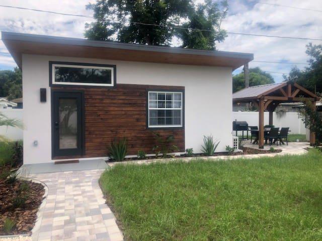 Seminole Heights Flamingo's Little house