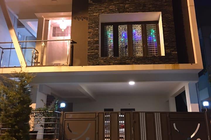 1 BHK House - basaveshwar nagar Bangalore