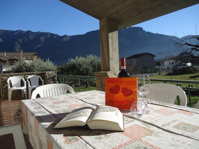 - Villa Oliva - Ferienhaus 7 Pers.- 200m zum See - Anfo - Huis