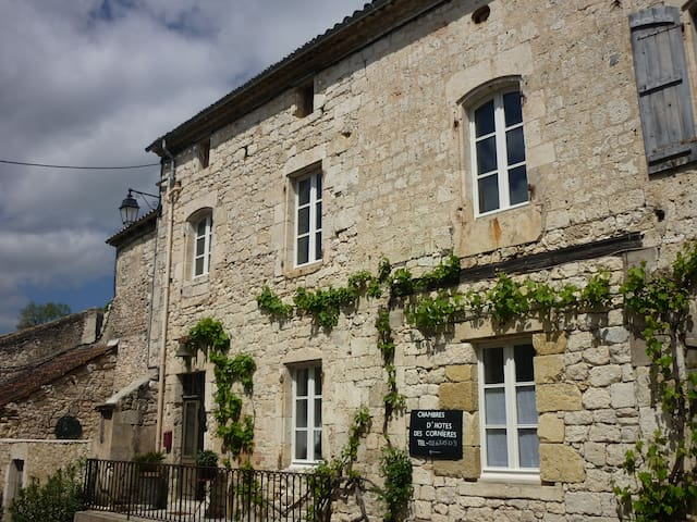 chambres  d'hôtes des Cornières n°1 - Roquecor - Inap sarapan