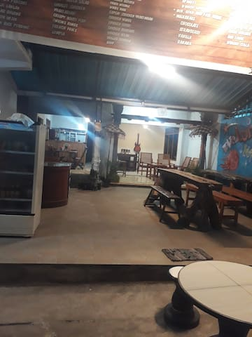 D'Bucu aling aling, home stay and mini resto