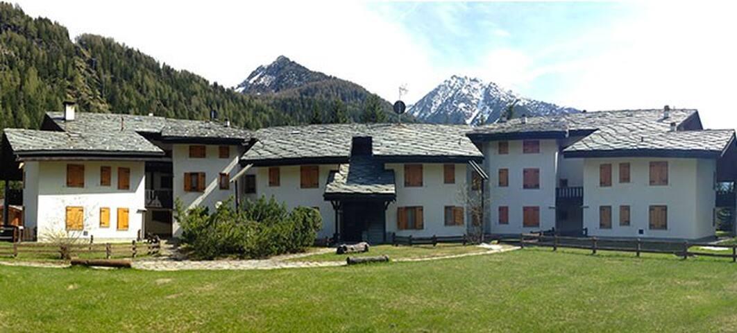 Casa Vacanza- Champoluc zona Monterosa Ski e Terme