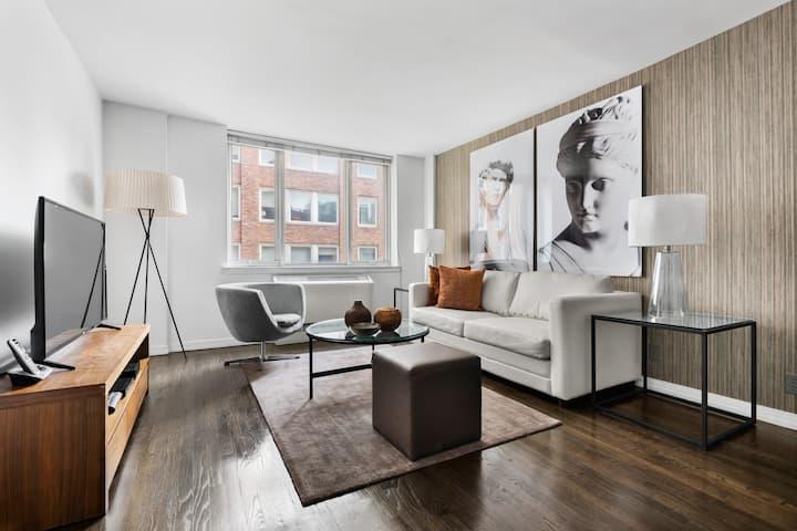 Beautifully Designed Upper East Side One Bedroom