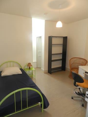 Chambre n°31 - Mazamet - Flat