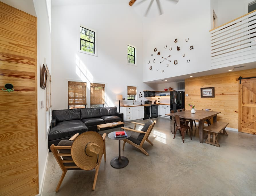 Full size kitchen, dining, and living room.