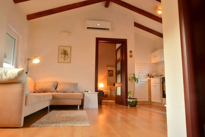 Romantic Retreat For Two - Preko - Apartemen