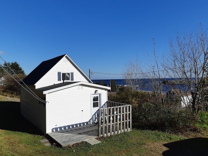 The Cove; Coastal Cottage on the Cabot Trail