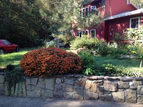Secluded 3 BR farm house near Charleston