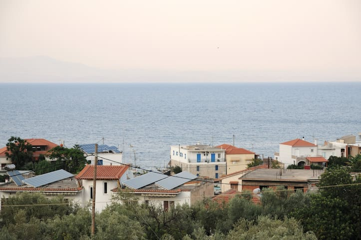 Relaxing studio up to 3p. just 400m.from the beach