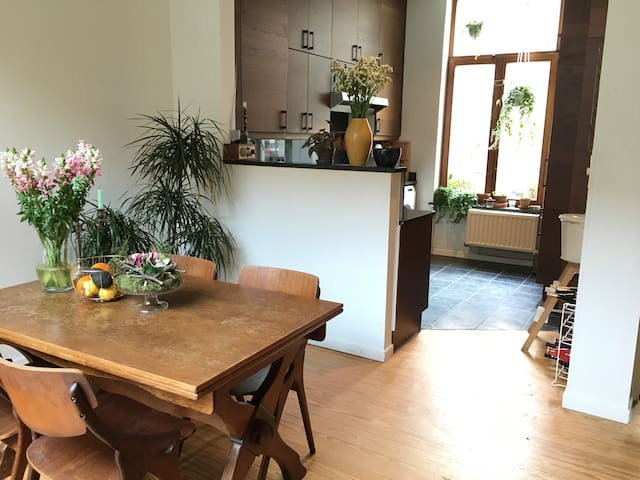 Beautiful room in city centre of Ghent - Gent - Talo
