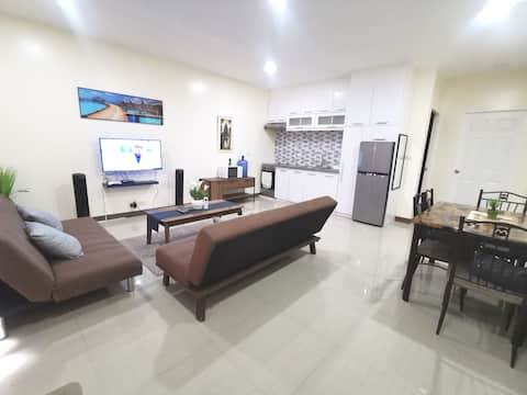 Lovely 1BR Furnished Apartment Near the Beach