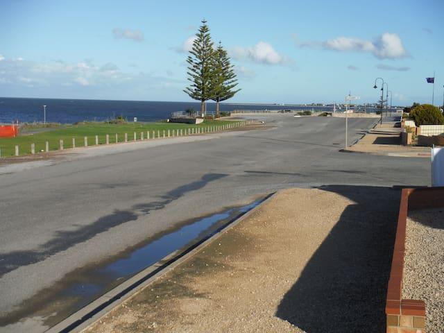 Gulf View at Edithburgh