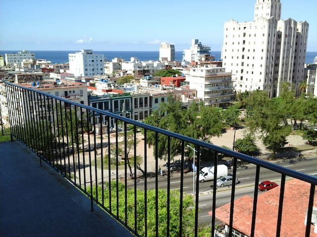 HABANA 1958 LUXURY FLAT WITH SEA & CITY VIEW - Havana - Apartment