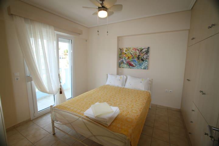 Chalkida Apartments| 1 Double+1 sofa | Street View