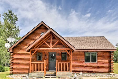 Rapid River Log Cabin w/Loft on 160 Scenic Acres!