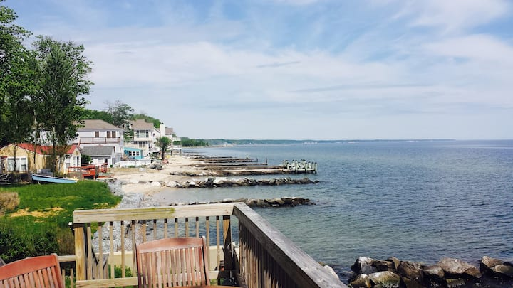 Perfect Bay and Beach Getaway one hour from DC!
