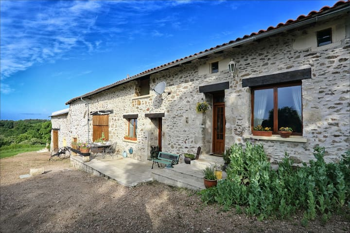 New .Le Puy Chambre d' hote with pool . - Nontron - Bed & Breakfast