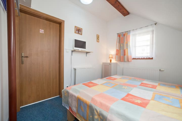 2 LP - double room