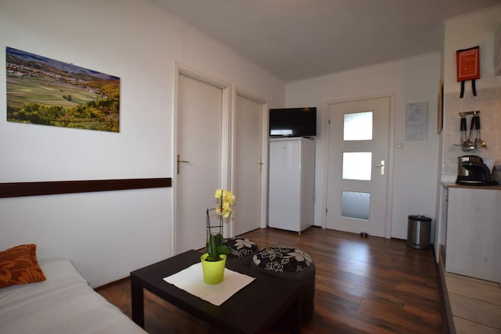 Apartment Gacka - Prozor