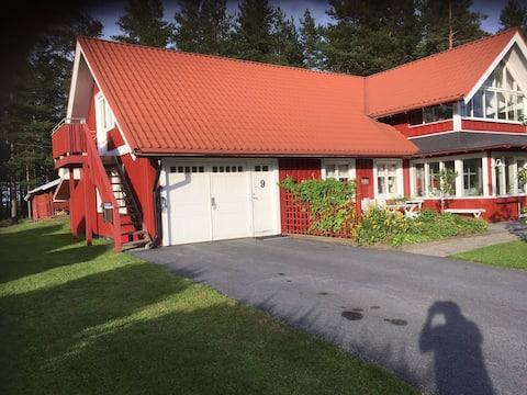 Vindsvåning. Egen entré Stapelvägen 9  94472 Piteå