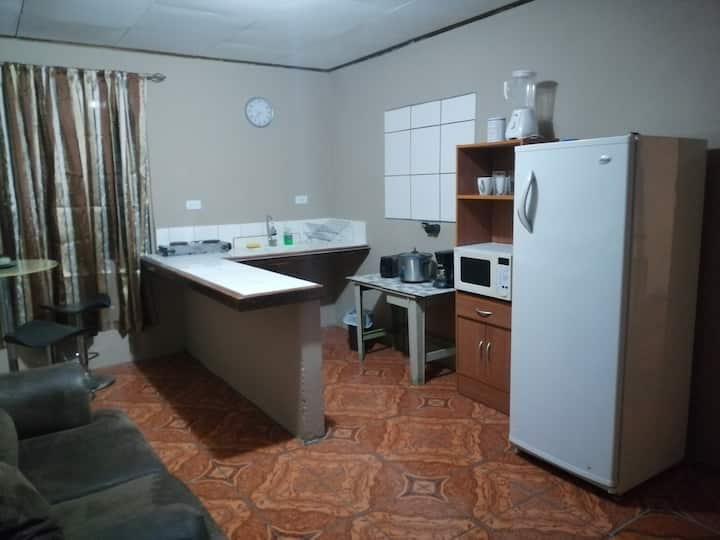 Apartment 2.5km from the airport SJO