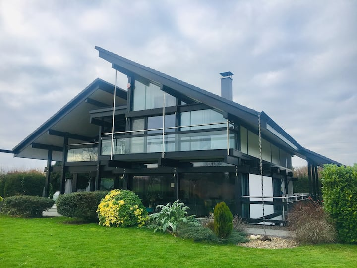 Contemporary Huf Haus in Preston village, Kent