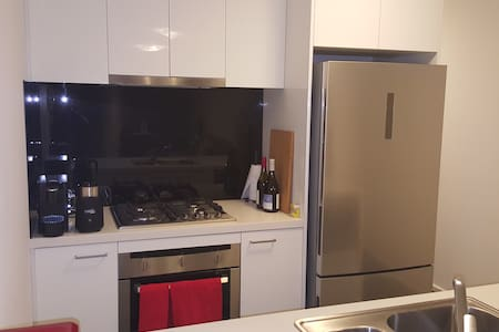 Southbank, modern double bedroom in great location