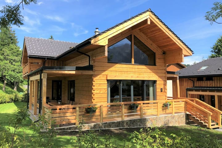 Modern Chalet in Tauplitz with Sauna