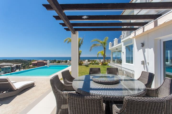 Villa Diamante-Luxury Villa with Spectacular Views - Estepona - Villa
