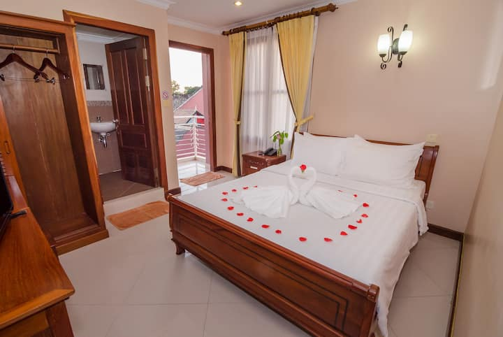 Deluxe Double Room(Free PickUp/50m from PubStreet)