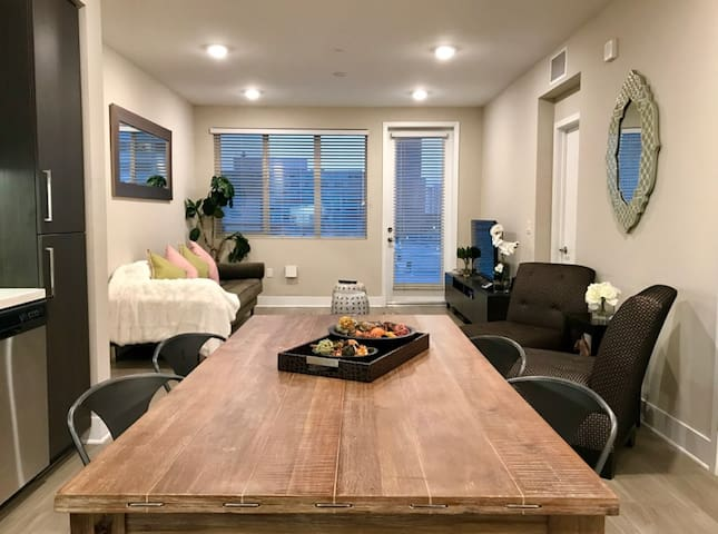 ★Downtown Los Angeles-Near Metro 2bed/2bath