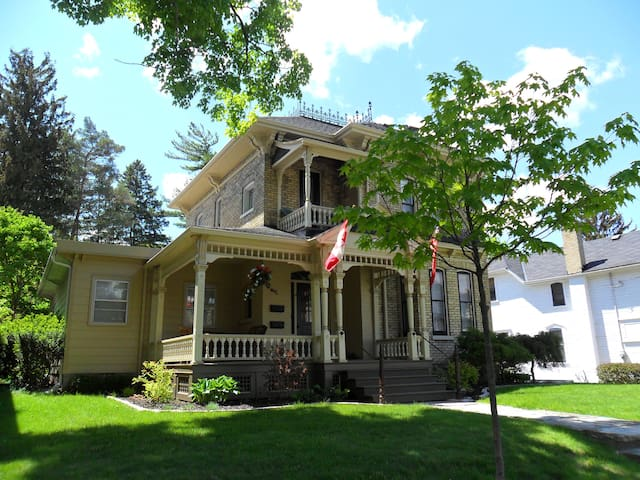 Restored Victorian home available Feb. 1st
