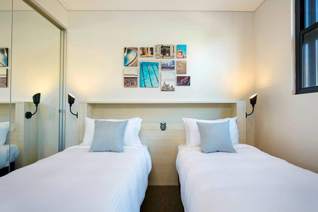 2 x single beds