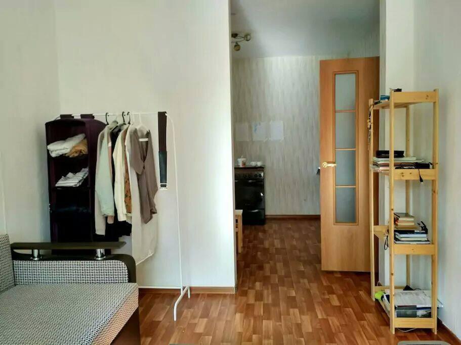 Комната, вид на кухню