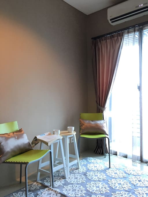 Living room that can be adjusted as your convenience. As reading corner, working corner, or even romantic dine in.