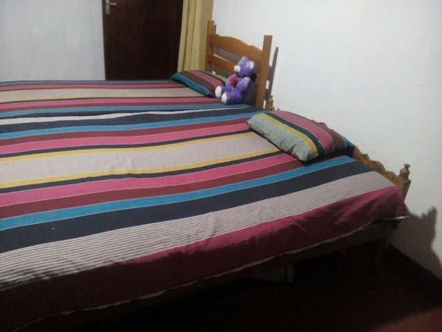 Clean Room in Mawilmada (Kandy) - Kandy - Huis