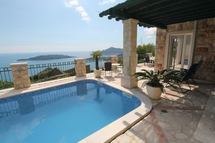 Stone Villa with pool and breathtaking views
