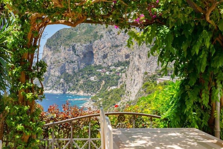 Dimora Quattro Colonne, Capri