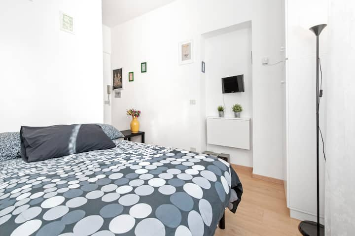 central tidy and nice apartment,WI FI.