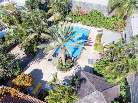 Banánová plantáž 2 lôžkový dom + naozaj vyhrievaný bazén