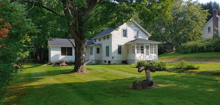 Hillsdale Haven  ~countryside comfort ~ near all!